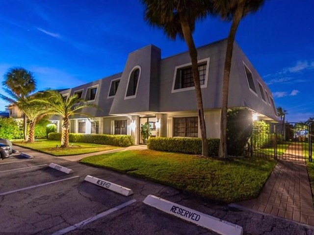 Lighthouse Point Condos For Sale