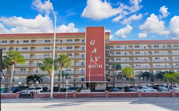 Garden Aire Village Condos For Sale in Pompano Beach
