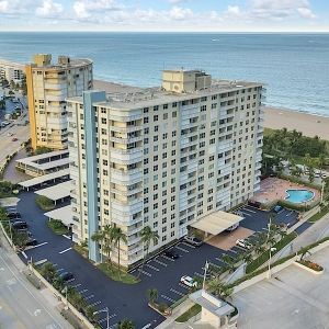 Jamaica House Condos For Sale in Pompano Beach