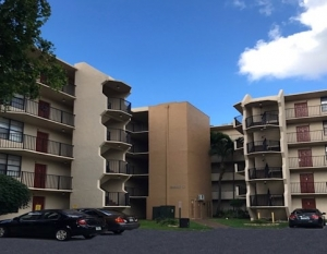 Blue Lake Apartment Condos in Pompano Beach