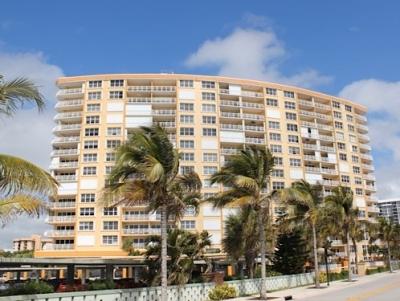 Bermuda House Condominium in Pompano Beach