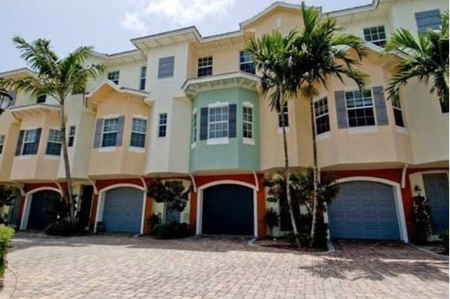 Bermuda Isles at Santa Barbara Townhomes For Sale in Pompano Beach