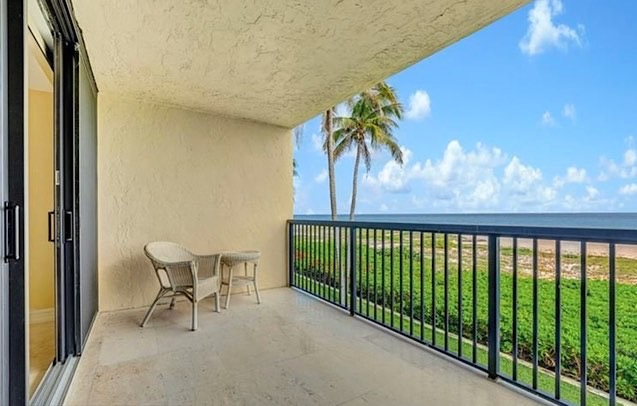 Ocean Townhomes Condos For Sale at 520 N Ocean Blvd in Pompano Beach