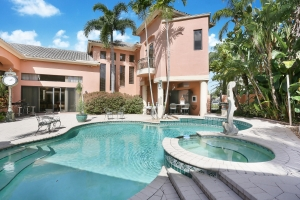 House with Pool in Pompano Beach
