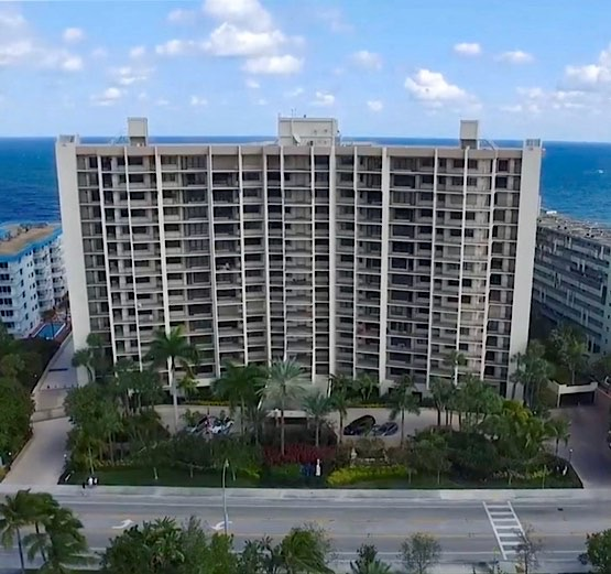 Hampton Beach Club Condos For Sale in Lauderdale-By-The-Sea
