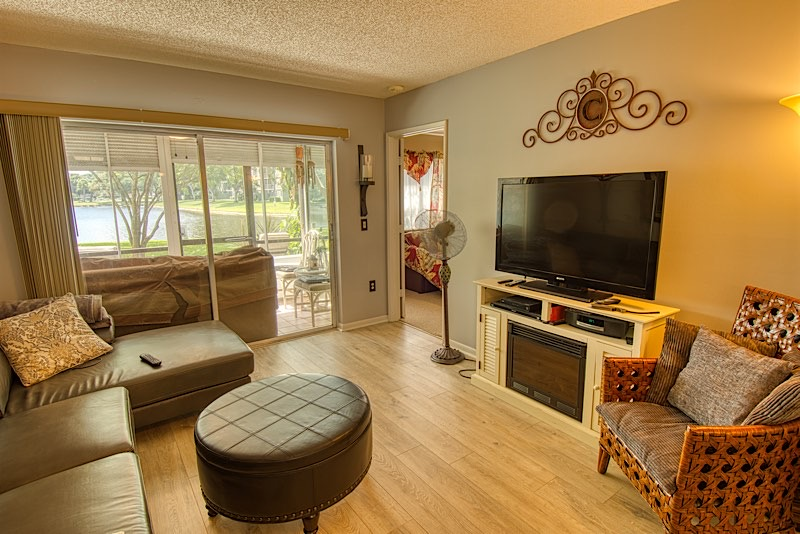 Pompano Beach neighborhood Cypress Bend Living room