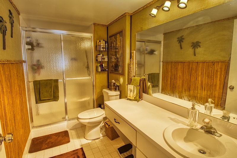 Cypress Bend Condos For Sale in Pompano Beach master bathrooom