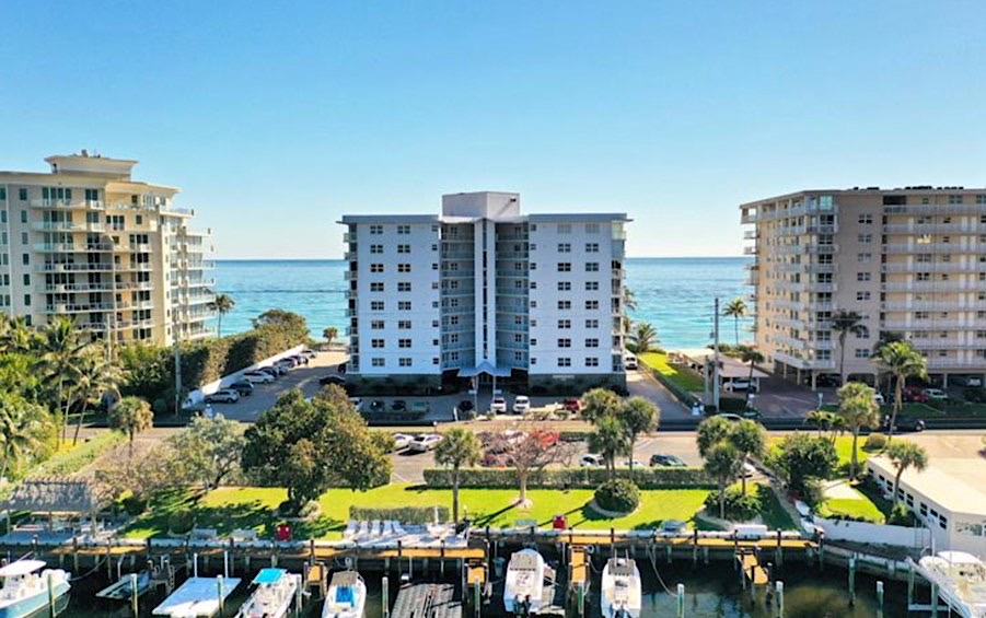 Highrise 9 stories offering docks & boat slips on the intracoastal as well as a privately owned beach! Come and see this beautful renovated building with amenities!