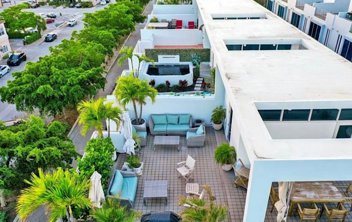 Roof Terrace of Aqua Loft Waterfront Townhomes in Pompano Beach