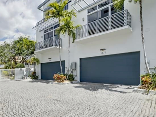 Palm Cove Lofts Townhomes in Pompano Beach